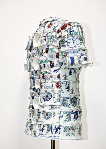 First Glimpse: Porcelain Polo LI Xiaofeng Lacoste Holiday Collectors Series Porcelain Polo 2010 side 11