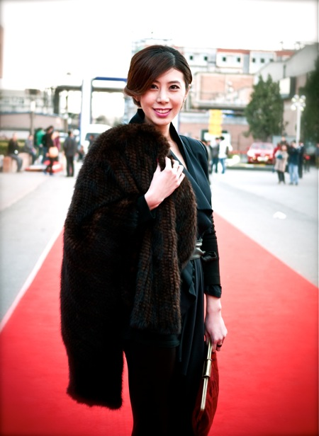 <!--:en-->On the Red Carpet<!--:--><!--:zh-->在红地毯上<!--:--> china fashion week bazaar11