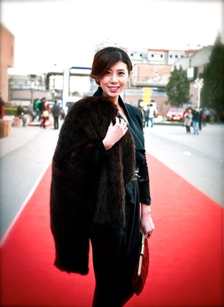 <!--:en-->On the Red Carpet<!--:--><!--:zh-->在红地毯上<!--:--> china fashion week bazaar2