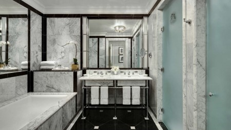 str81gb-136256-SuiteMasterBathroom The St. Regis-藏风纳气的纽约城中之选 The St. Regis-藏风纳气的纽约城中之选 str81gb 136256 SuiteMasterBathroom