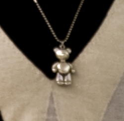 teddy  Teddy Pendant at Uniqlo - 小熊吊坠在优衣库 teddy1